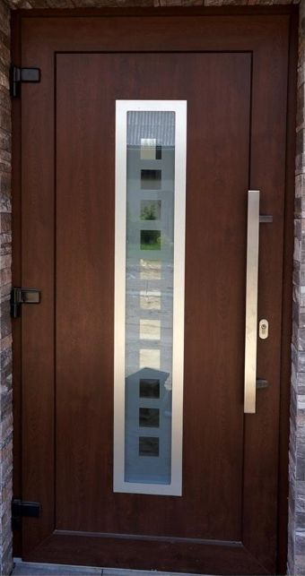 Vchodové dvere s HPL dvernou výplňou GAVA 754 a pieskovaním P1x11 INV