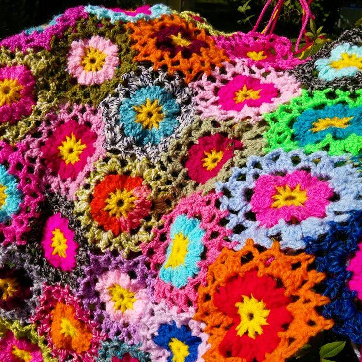 Crocheted flowers from Allers Handarbetsbok
