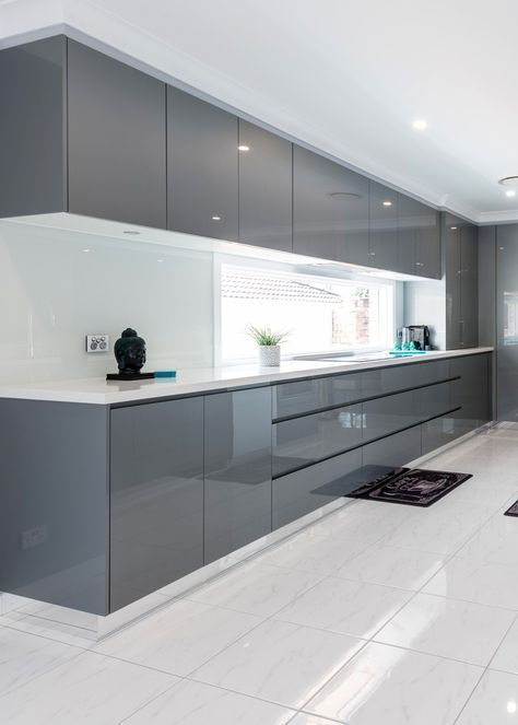 Moderne zeitgenössische Küche durch Harrington Küchen in Raby, NSW