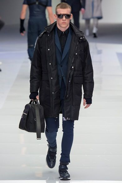Sfilata Moda Uomo Versace Milano - Autunno Inverno 2016-17 - Vogue