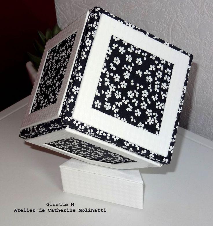 les 244 meilleures images du tableau cartonnage sur pinterest bo tes d cor es cartonnage et. Black Bedroom Furniture Sets. Home Design Ideas