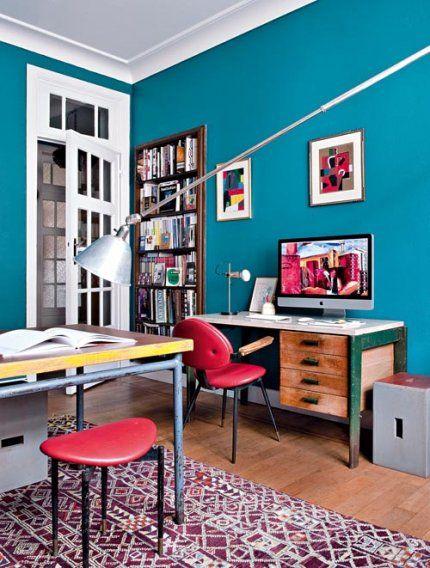 Faire revivre du mobilier ancien afin de mettre en avant leur collection de mobilier des années