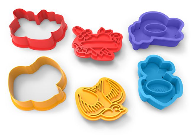 Love the idea of a tattoo but not sure you want to dedicate a piece of your body to one design? Try these cool cookie cutters! They're called Tough Cookies cookie cutters and they come in a variety of iconic tattoo designs, including a rose, anchor, swallow, and a heart and dagger. These beauties are […]
