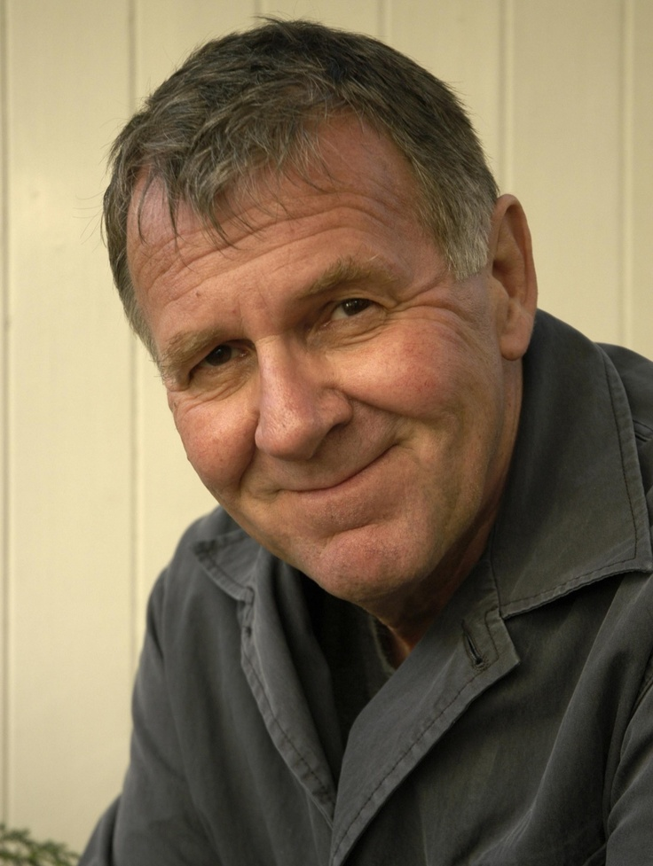 Tom Wilkinson played Charlie Resnick.  Great actor doing great character.