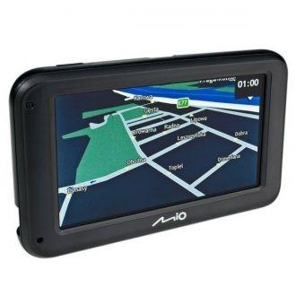Lekka, kompaktowa konstrukcja urządzenia Moov M410 ułatwia korzystanie z nawigacji GPS! Dzięki czytelnemu menu szybkiego startu (QuickStart) szybko i dokładnie znajdziemy miejsce docelowe. Urządzenie Moov M410 jest ponadto wyposażone w technologie pozwalające na maksymalnie szybkie i skuteczne dotarcie do celu.