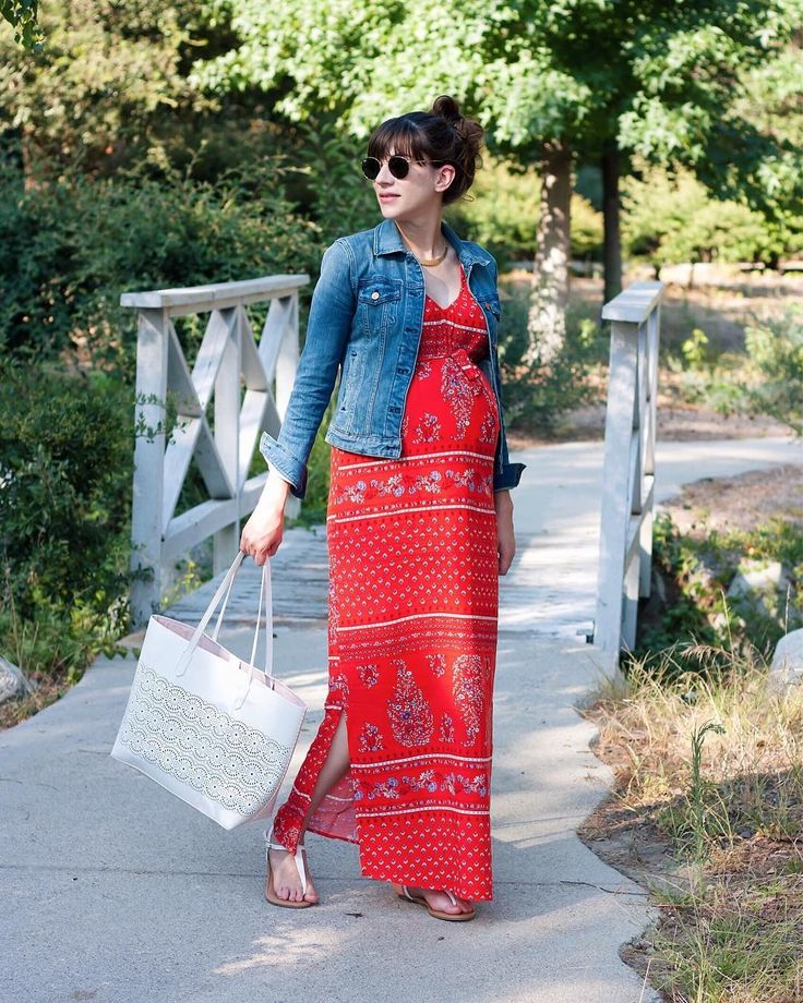 Jessica W | Style Blogger | LA @jeansandateacup #OldNavy Also available in non-maternity