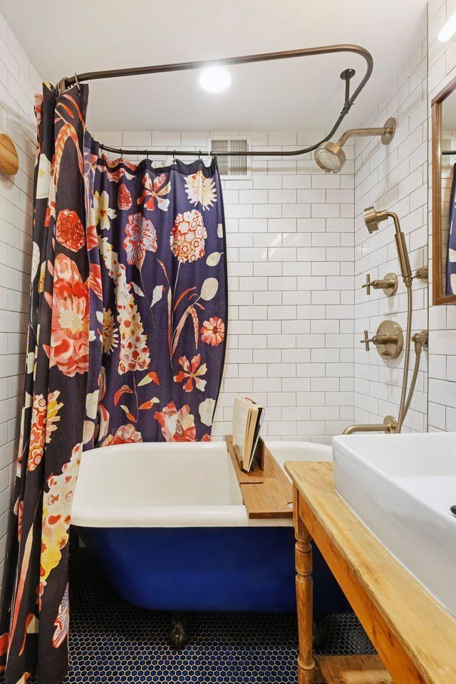 Before U0026 After: An U002780s Bathroom Remodel Mixes Old U0026 New | Apartment Therapy