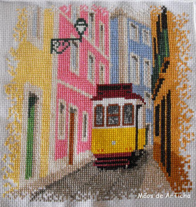 Ponto Cruz . O Eléctrico Amarelo de Lisboa.
