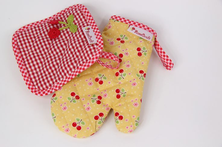 Potholder and oven mitt for kids