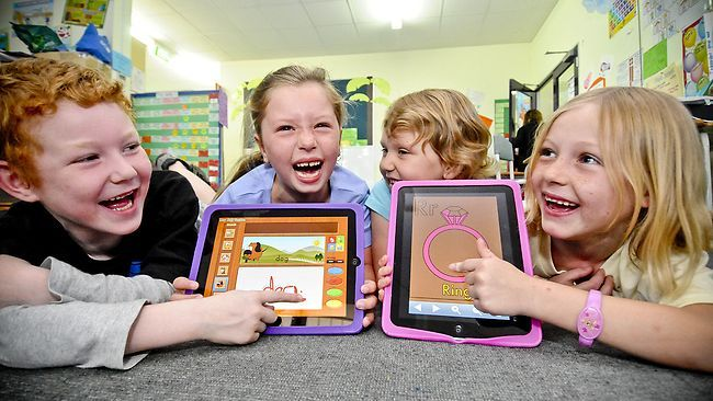 Speech therapists can now fill their treatment arsenal with digital technology that's fast, motivating and intuitive. But there are 5 iPad apps for speech production stand out among the crowd.