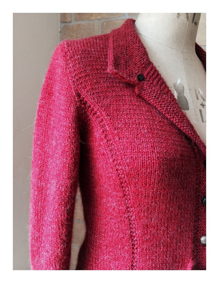 Ravelry: Triangle Jacket by Jutta von Hinterm Stein