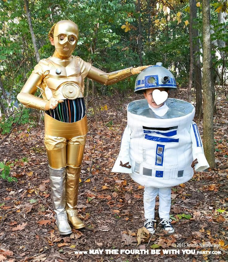 C-3PO and R2-D2 DIY Costume and Cosplay / Check out lots more Star Wars Halloween costumes and cosplay ideas on our blog / #starwars #halloween #maythefourthbewithyou #maythe4thbewithyou #costume #ducttape #cosplay #diy #pattern #sewing #theforceawakens #c3po #r2d2 #droid #geek #nerd #spraypaint / maythefourthbewithyoupartyblog.com