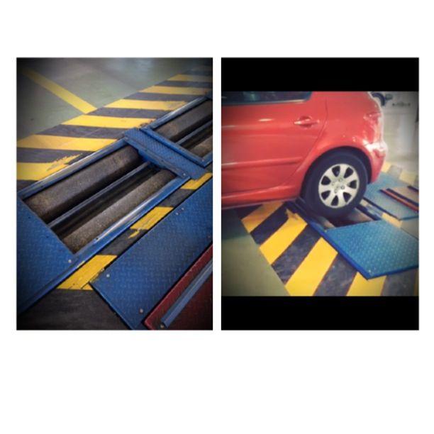 Uno de los pasos importantes en la inspección de un vehículo es el estado de los frenos. Con la ayuda de un frenómetro de rodillo, se comprueba que las fuerzas de frenado de un mismo eje no difieran entre sí más de un 30%. ¡Aprende más con nosotros sobre el mundo de las #itv! #seguridad #seguridadvial #ruedas #frenos #frenado #vehiculo #conduccionsegura