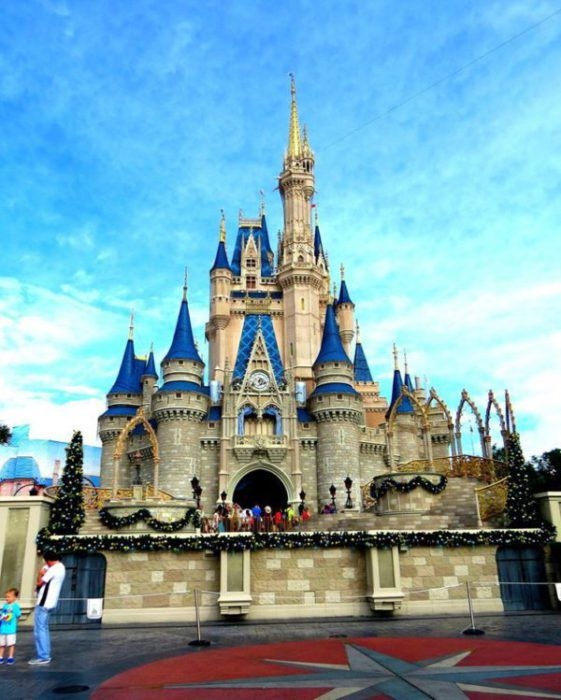 Walt Disney World can be quite overwhelming for a first-time visitor. Here are 10 Disney Tips to get the most out of your Disney Vacation.
