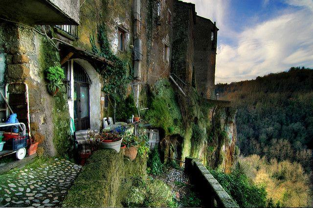 Calcata. Foto di Riccardo Cuppini