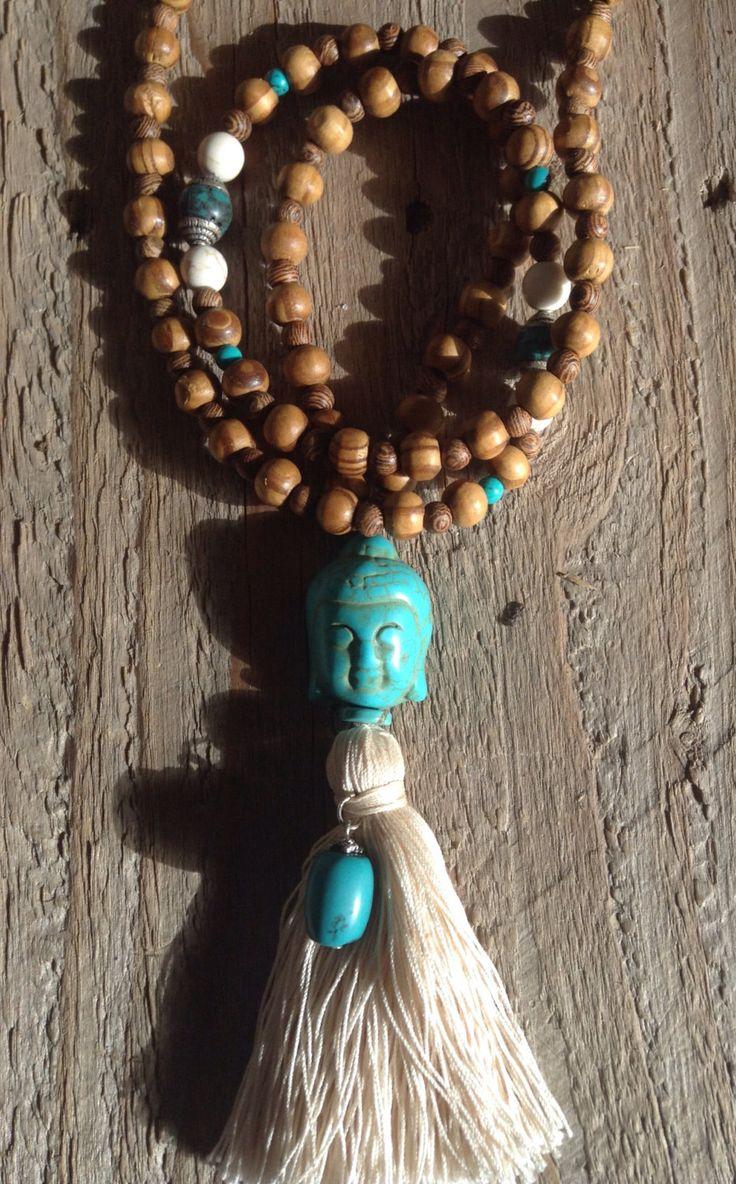 Le chouchou de ma boutique https://www.etsy.com/fr/listing/258969344/long-collier-style-mala-en-perles-bois
