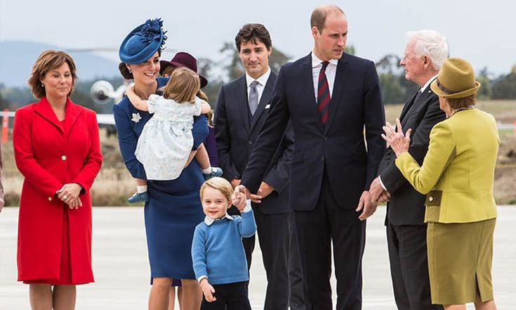 The Cambridges had a nice chat with Governor General David Johnston and his wife Sharon, whom Prince William and Kate had met in Ottawa on their previous tour of Canada. <br><br>Photo: © Ben Nelms/Canadian Heritage