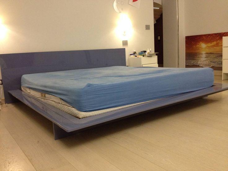 Letto Cappellini modello Mirage colore Blu Nuvola. Prezzo di Acquisto 5.300,00, vendita a 1.800,00. Il letto è stato comprato 1 anno fa, messo in una seconda camera usato pochissimo. Ha un design l...