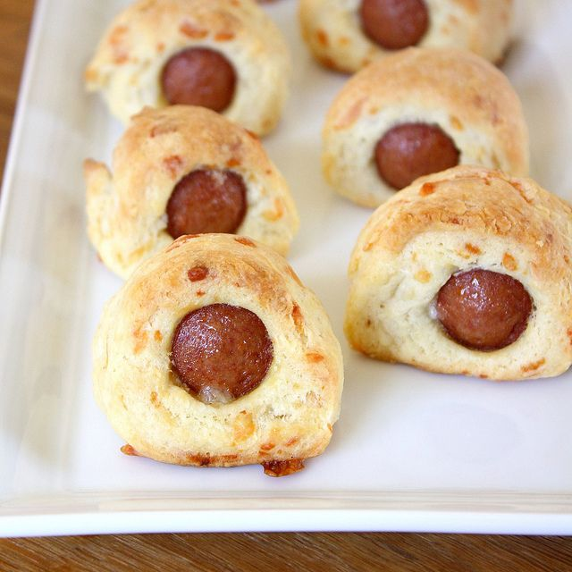 Make-Ahead Cheesy Pigs in a Blanket: Tracey Culinary, Ahead Pigs, Yummy Food, Culinary Adventure, Appetizers, Blankets, Cheesy Pigs, Make Ahead Cheesy, Hot Dogs