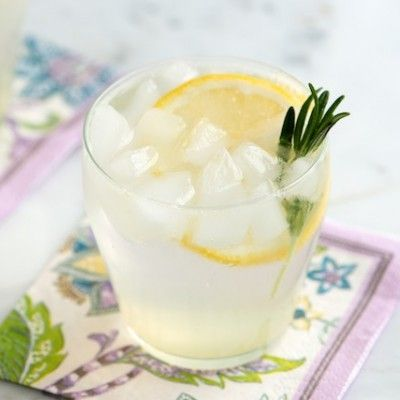 With gin, rosemary and fresh lemon, this rosemary gin fizz cocktail recipe is aromatic, fresh and earthy.
