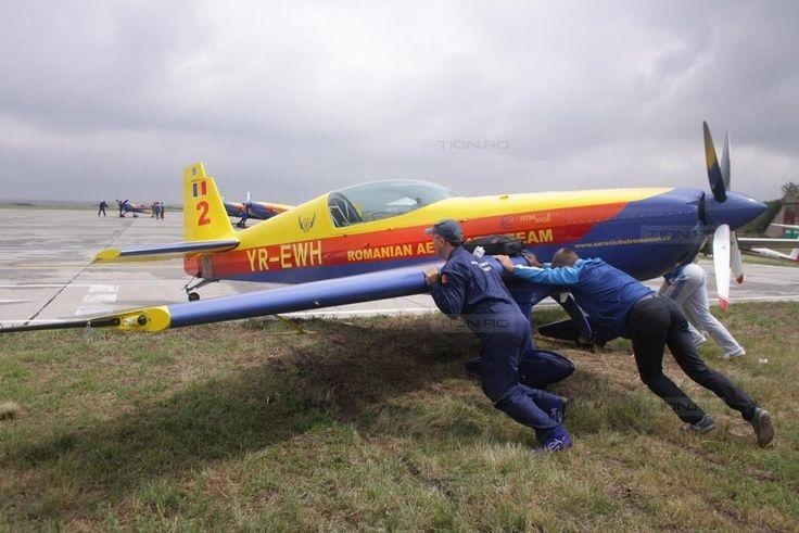 Ultimele pregatiri inaintea show-ului aviatic de la Aeroportul International Timisoara