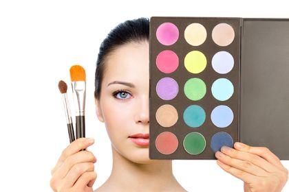10 secrets learned at makeup artist school