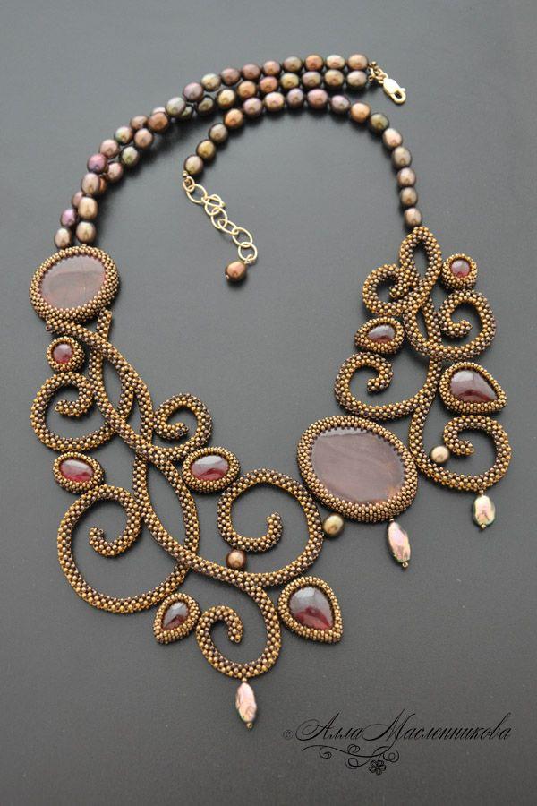 Колье Soleil d'Or из коллекции Joaillerie Royal | biser.info - всё о бисере и бисерном творчестве