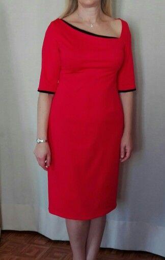 Vestido vermelho com apontamentos pretos. By Alda Faria 2015.