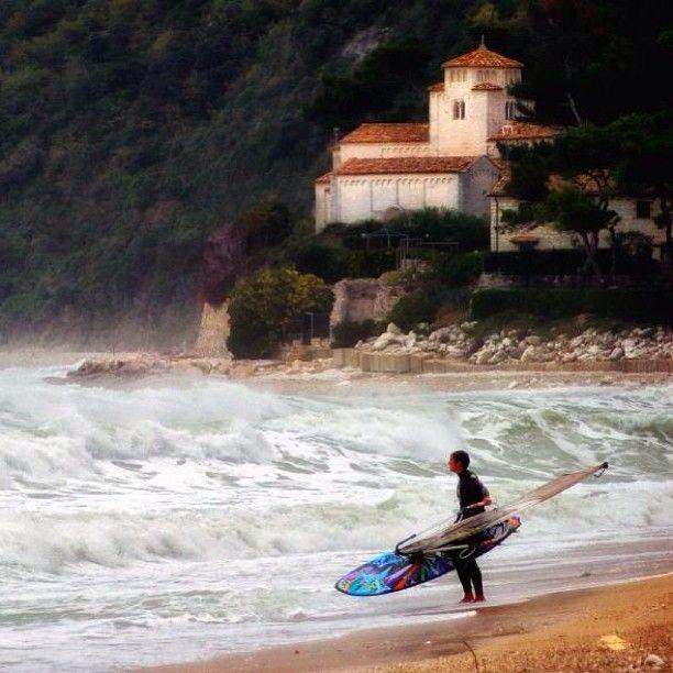 surfing on the Conero. Portonovo