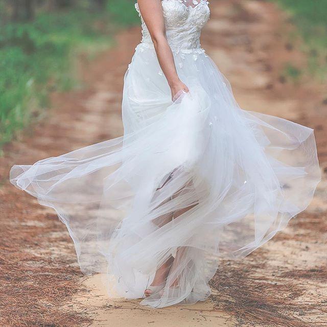 @erinclarebridal @mondofloraldesigns @kateellenmakeupartistry @evalynparsonshair @brookestyless ⠀ ⠀ ⠀ #wedding #weddingphotography #weddingphotographer #sunshinecoast #sunshinecoastphotographer #sunshinecoastweddingphotographer #weddingflowers #flowers #bouquet #bridalbouquet #hairflowers #weddingdress #weddinggown #bridalwear #fashion #callibphotography #erinclarecouture #weddinghair #weddingmakeup #bride #bridestyle #pineforest #forestwedding