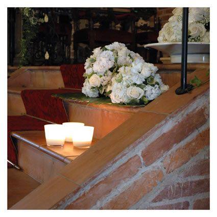 Oltre 25 fantastiche idee su addobbi floreali matrimonio for Addobbi tavoli matrimonio con candele