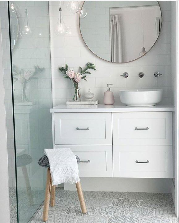 We love love love to see how you style your The Block Shop purchases. Here's the absolutely gorgeous bathroom of @jaccikelly featuring the 80cm modern round mirror in Blush from Print Decor. This same mirror is on sale now so shop the link in our bio for details #blockshopper #interiors #bathroom #styling #bathroomdecor #bathroomdesign #mirror http://ift.tt/2ssZilb