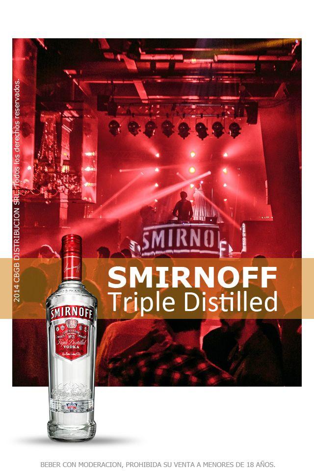 Smirnoff es el vodka premium más vendido del mundo. Se distingue por su pureza, sabor delicado y elegancia. Es triplemente destilado y 10 veces filtrado. La marca ostenta innumerables premios y galardones, entre los que se destacan las 3 medallas de la Corte Imperial Rusa, claramente expresadas en su packaging.