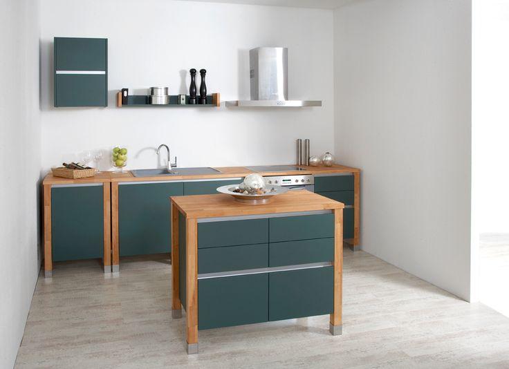 bloc kitchen | beech wood - painted green wood Modulküchen Arbeitsplatte designer Buche Massiv Küche Singleküche