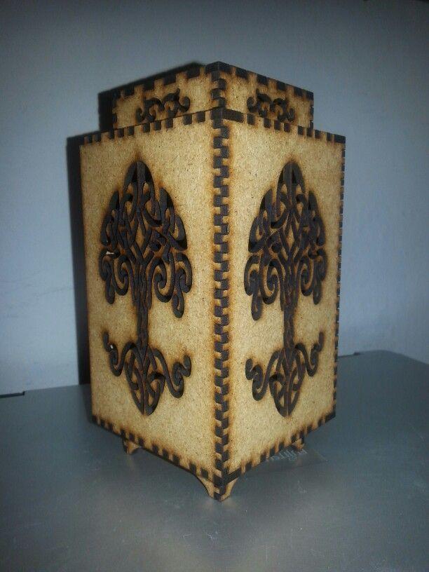 Wooden lantern. ReyCast Home Decor.