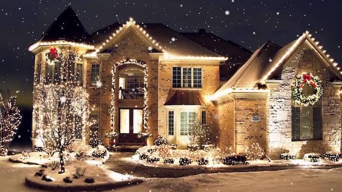 die besten 25 weihnachtlich beleuchtete h user ideen auf pinterest elegante herbstkr nze. Black Bedroom Furniture Sets. Home Design Ideas