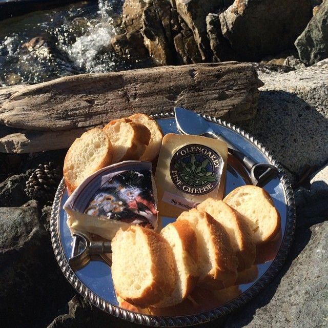 Nothing like Canadian cheese by the ocean on a Friday evening!! Feasting on Big Brother from Glengarry (Ontario) and Riopelle, Iles-aux-Grues from Quebec. Both to die for!!! #summer #simplepleasures #CDNCheese