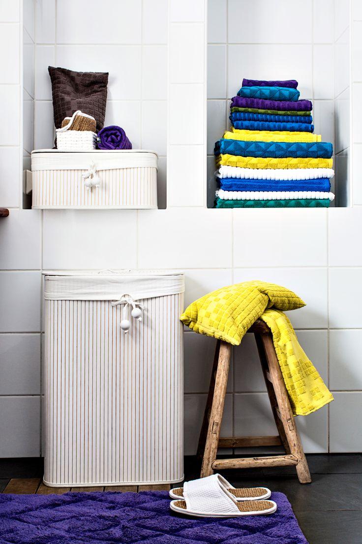 Kylpyhuone, syvennykset esim pyyhkeille