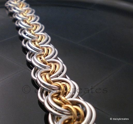 Free Chainmail Patterns Chain Maille   To show off the mesmerizing pattern, I used thick gauge rings in ...