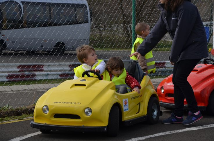 Children's Road Safety training with Rotary Club Budapest Center