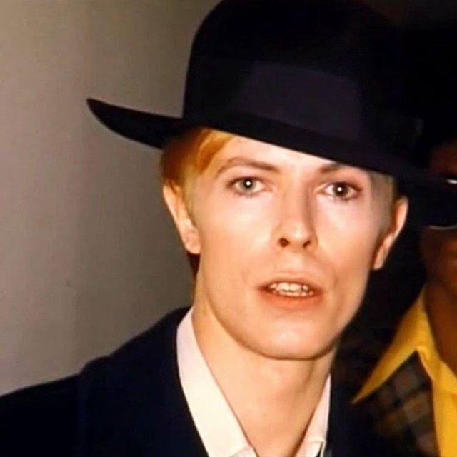 #davidbowie #bowie #BowieForever #pop #DavidBowieForever #starman #ziggystardust #motivation #rock #glamrock #70s #80s #90s #bringbowieback #tuesdaymorning #handsome #blackstar #beautifulday #goodvibes #greatday #fashion #music #tuesday #forever #mood #concert #wonderful #beautifulbowie #デヴィッドボウイ #дэвидбоуи