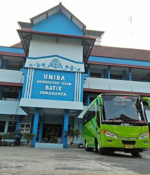 Bus Pariwisata Jogja di Solo