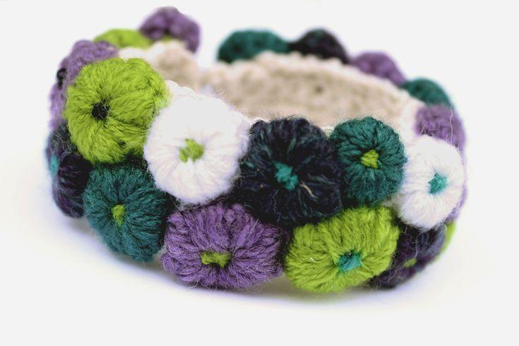 "Wristbands & Bracelets – Crochet bracelet ""Saintpaulia"" – a unique product by Goxua on DaWanda"