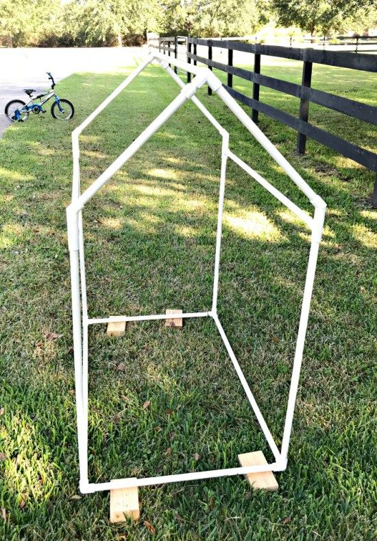 Plans to Build this easy Kids PVC Pipe Tent with drop cloth cover. PVC pipe play house tent build for kids. #PVCTent #PVC #KidsTent & Build this Fun and Easy Kids PVC Pipe Tent!