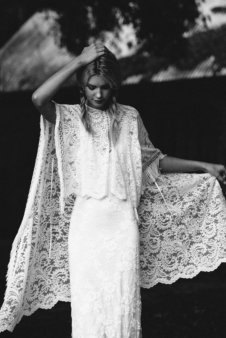 Tan tan boho y nostalgico que no se puede aguantar de Stevie Cape | Grace Loves Lace http://ideasparatuboda.wix.com/planeatuboda #weding #boda #mariage