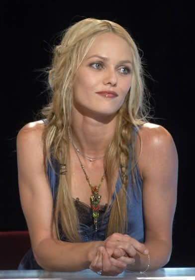 cute hippie hair || Vanessa Paradis