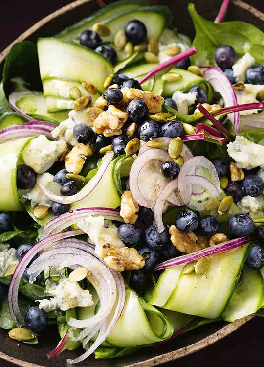 How to make a Blueberry, Blue Cheese & Walnut Salad