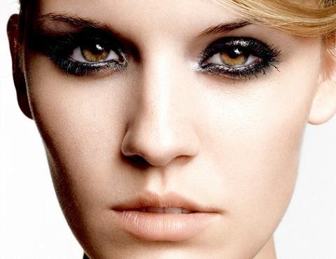 Encuentra tu tono de sombra adecuado al color de tus ojos en: http://blog.pepitapulgarcita.net/681/