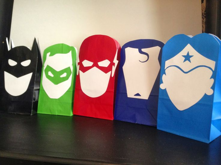 Clearly Candace: Super Sacks! Batman, Green Lantern, The Flash, Superman & Wonder Woman party favor printables.