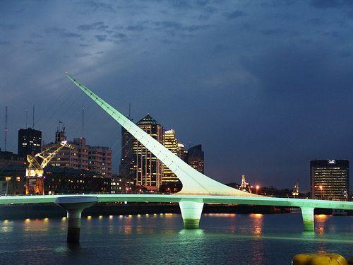 Puerto Madero & el puente de la mujer. Buenos Aires